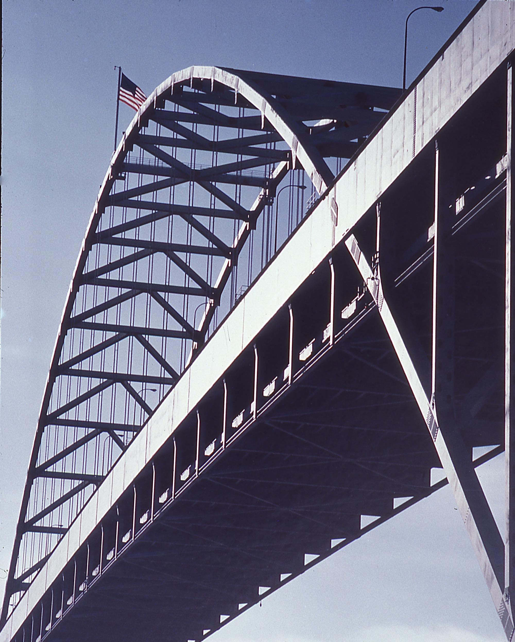 <center>FREEMONT BRIDGE</center>