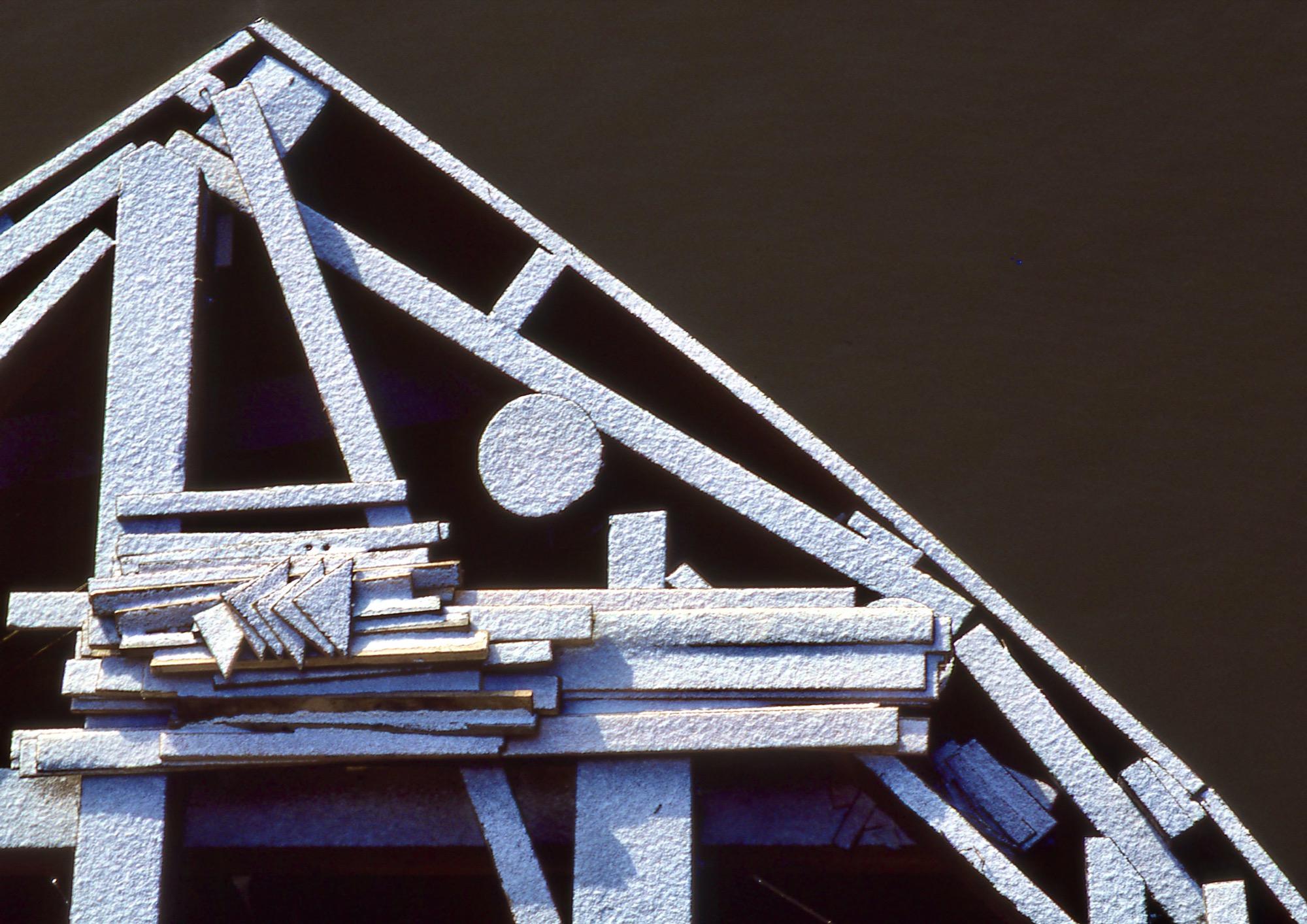 <center>BURNSIDE BRIDGE DOLPHIN</center>